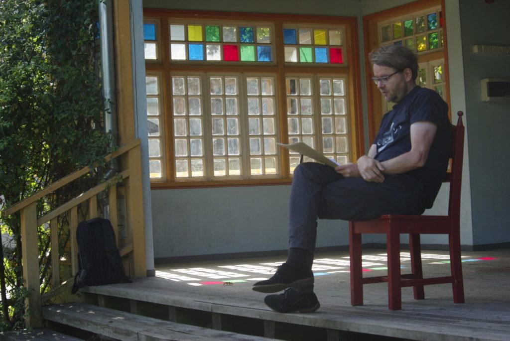 kirjanik Jan Kaus esines Linnakultuuri suvekoolis Haapsalus